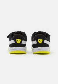 Puma - STEPFLEEX 2 UNISEX - Scarpe da fitness - black/white/energy yellow - 2
