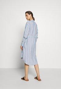 Six Ames - IBENA - Denní šaty - blue summer - 2