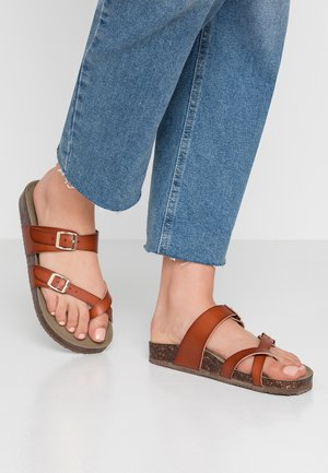 BRYCEEE - T-bar sandals - cognac paris
