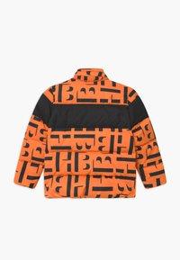 BOSS Kidswear - PUFFER - Zimní bunda - orange - 2