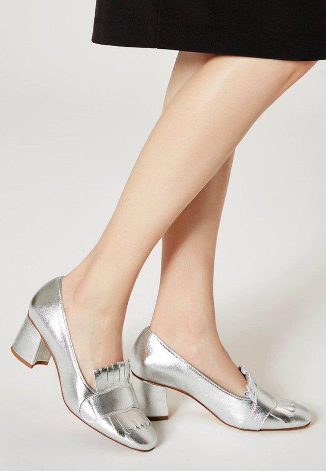 Czółenka - silver