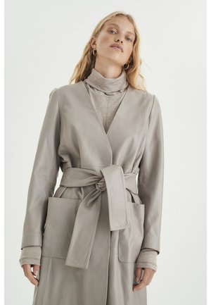 Cape - ash grey