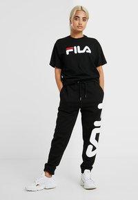 Fila Petite - PURE TEE - Print T-shirt - black - 1