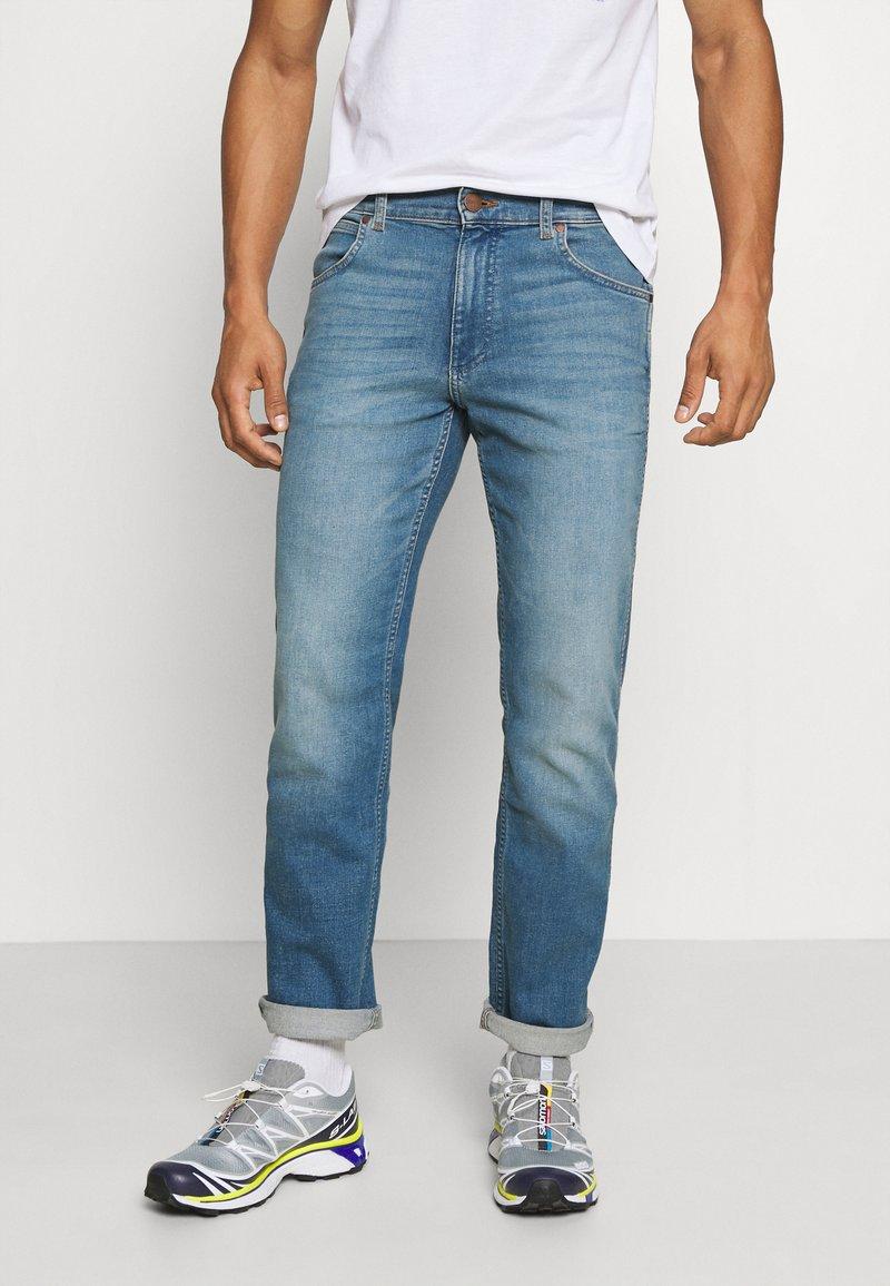 Wrangler - GREENSBORO - Straight leg jeans - hemp town