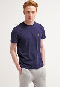 Lyle & Scott - Basic T-shirt - navy - 0