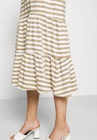 Selected Femme - SLFREED DRESS - Jersey dress - kelp - 6