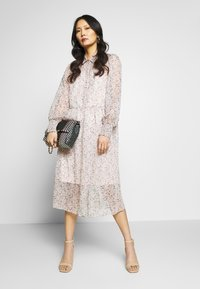Love Copenhagen - LUZELC DRESS - Kjole - rose - 1