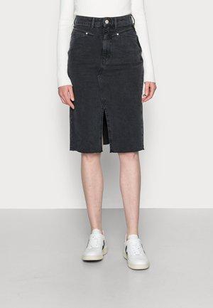 MID LENGTH HIGH WAIST POCKETS - Denimová sukně - washed black