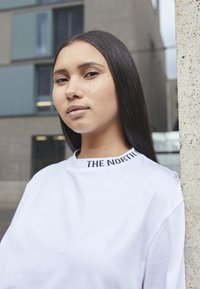 The North Face - NEW ZUMU TEE - Long sleeved top - white - 2