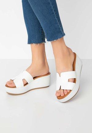 Heeled mules - white wht