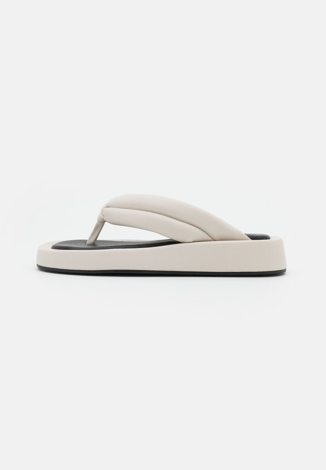 QUILTED TOE STRAP  - T-bar sandals - offwhite