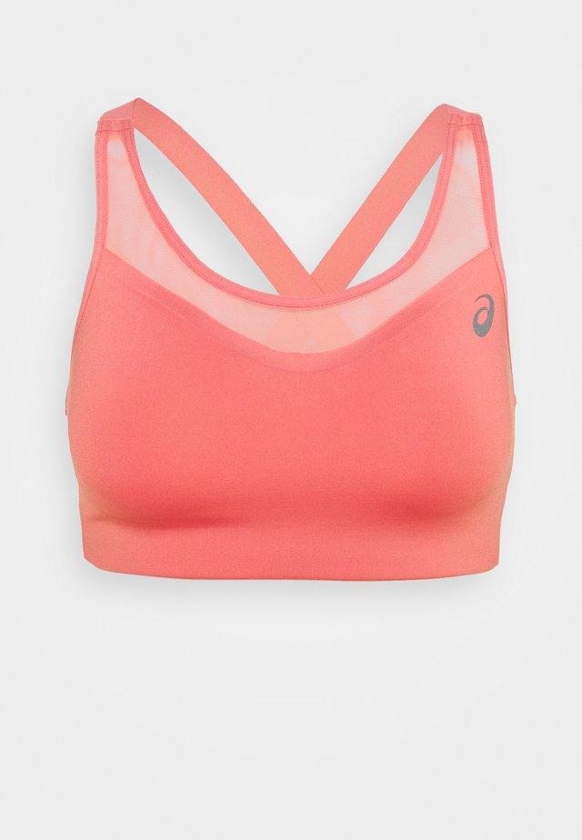 ACCELERATE BRA - Medium support sports bra - peach petal