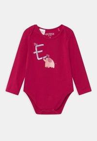 Guess - BABY 5 PACK - Dárky pro nejmenší - vintage baby pink - 2