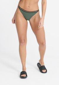 Superdry - SUPERDRY SAHARA CHEEKY BIKINI BOTTOMS - Bikini bottoms - capulet olive - 0