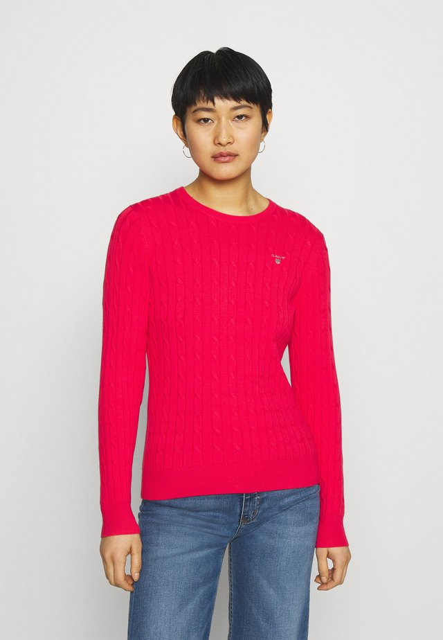 CABLE CNECK - Sweter - watermelon red