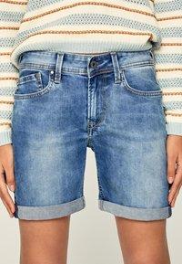 Pepe Jeans - Szorty jeansowe - blue denim - 3