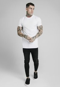 SIKSILK - T-shirt imprimé - white - 1