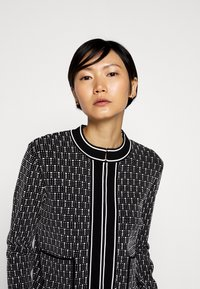 KARL LAGERFELD - TEXTURED CARDIGAN - Cardigan - black/white - 3