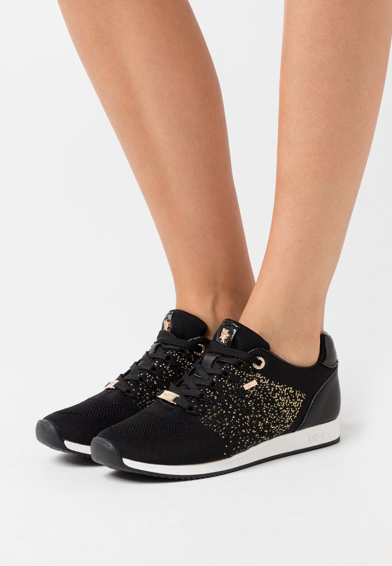 Mexx - DJAIMY - Trainers - black/gold