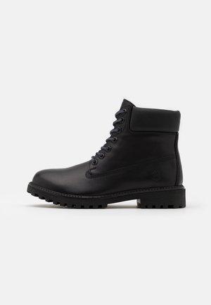 RIVER - Šněrovací kotníkové boty - black