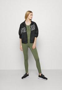 NU-IN - ZIP UP LONG BODYSUIT - Gym suit - green - 1