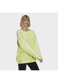 adidas Originals - OVERSIZED - Sweatshirt - pulse yellow - 3