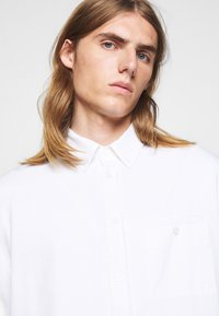 Filippa K - ZACHARY - Shirt - white - 4