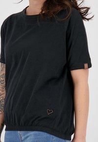 alife & kickin - Basic T-shirt - moonless - 4