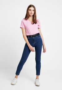 Tommy Jeans - SOFT TEE - Basic T-shirt - pink - 1