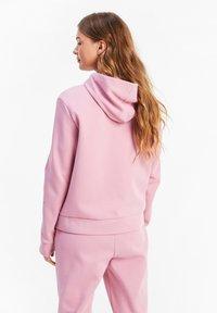 Puma - NU TILITY - Zip-up hoodie - foxglove - 2