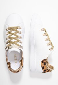 Guess - CHARLEZ - Trainers - white - 3