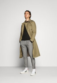 Gabba - PISA PETIT CHECK - Trousers - brown - 1