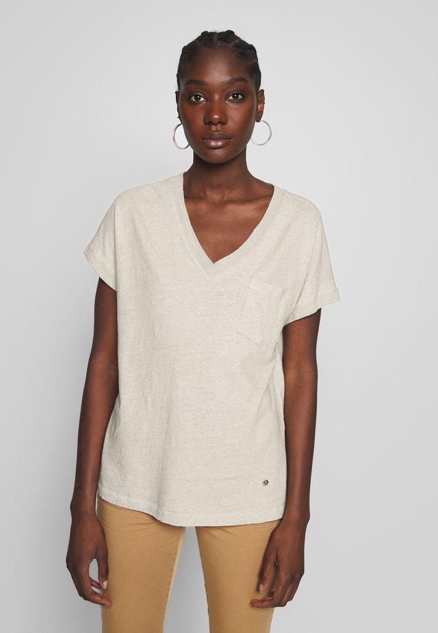 MAYA V-NECK TEE - T-shirt basic - safari