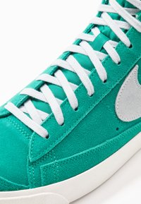 Nike Sportswear - BLAZER MID '77 UNISEX - High-top trainers - neptune green/pure platinum/sail - 8