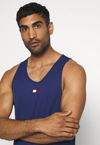 Tommy Sport - TRAINING TANK LOGO - Sportshirt - blue - 3