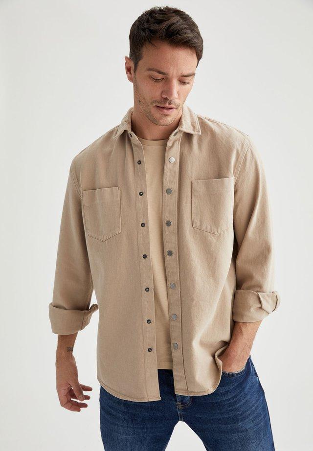 OVERSHIRT - Overhemd - beige