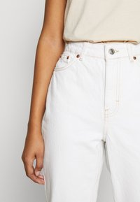 Topshop - MOM - Relaxed fit jeans - offwhite - 5