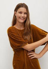 Mango - Denní šaty - mostaza - 2
