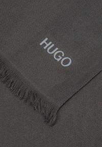 HUGO - UNISEX - Scarf - charcoal - 4