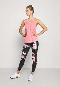 ONLY Play - ONPMADON TRAINING - Top - strawberry pink - 1