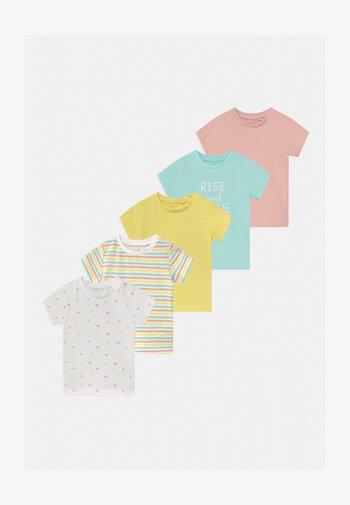 NBFBODIL 5 PACK - Print T-shirt - limelight