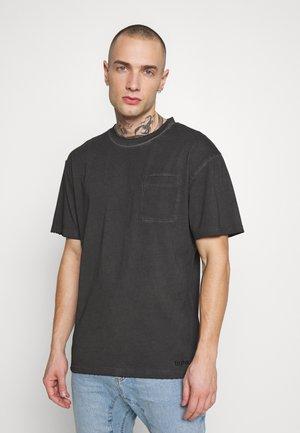 ALESSIO - T-shirt con stampa - vintage black