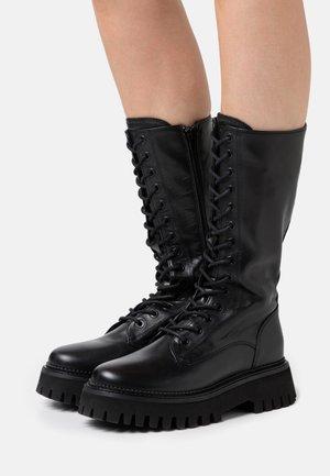 GROOV-Y - Platåstøvler - black