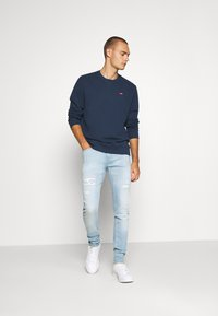 Levi's® - NEW ORIGINAL CREW UNISEX - Felpa - dress blues