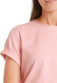 Marc Cain - Basic T-shirt - candy pink - 1