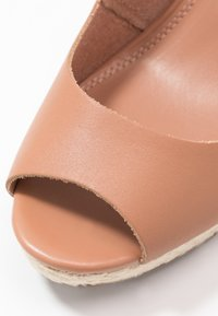 Dune London WIDE FIT - WIDE FIT KICKS - High heeled sandals - camel - 2