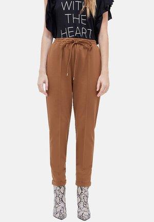 PUNTO ROMA - Trousers - marrone