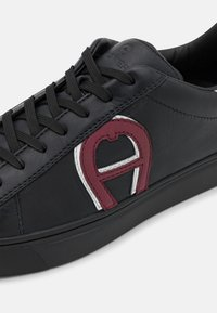 AIGNER - DAVID 50 - Trainers - black/burgundy - 5