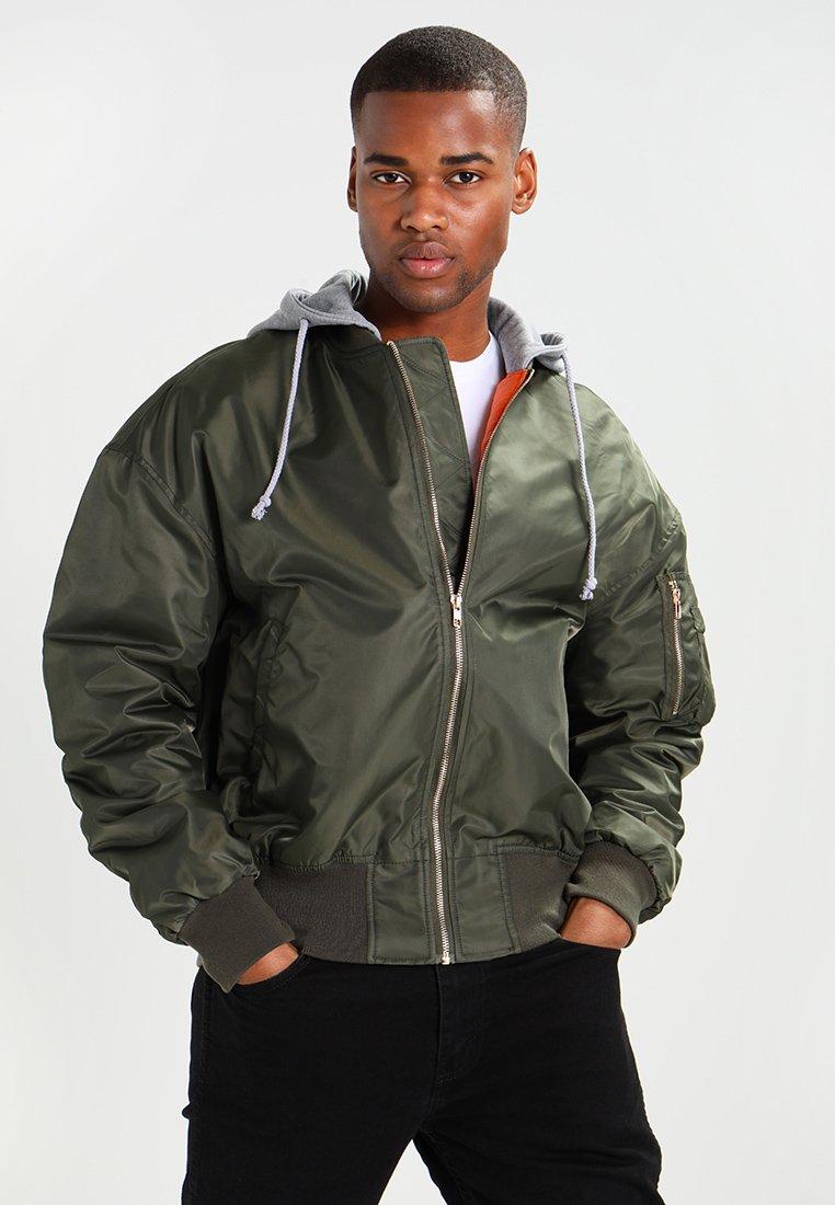 Urban Classics - HOODED OVERSIZED  - Bomber Jacket - oliv/grey