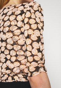 Diane von Furstenberg - ABBIE BODYSUIT - Print T-shirt - medium black - 7